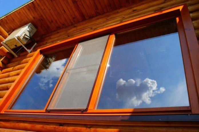 derevyannoe-okno-svoimi-rukami-poshagovaya-instrukciya-04-730x485-696x462 Как самому сделать раму для окна